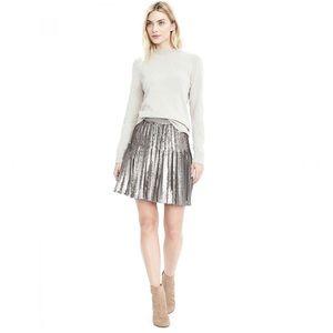 NWOT Banana Republic Gray Sequins Pleated Skirt